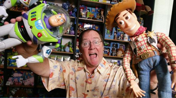John-Lasseter-con-Woody-y-Buzz